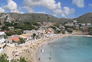El Portet's pretty beach. One of many beautiful beaches to discover around Moraira and Javea