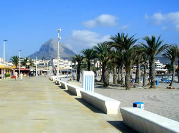 Javea's promenade around the Arenal beach