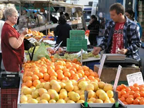 Moraira and Javea both have open street markets. A selection of local fresh produce, local specialities, leather goods, pottery and souvenirs. Moraira villa rentals.