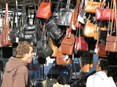 Moraira and Javea both have open street markets. A selection of local fresh produce, local specialities, leather goods, pottery and souvenirs